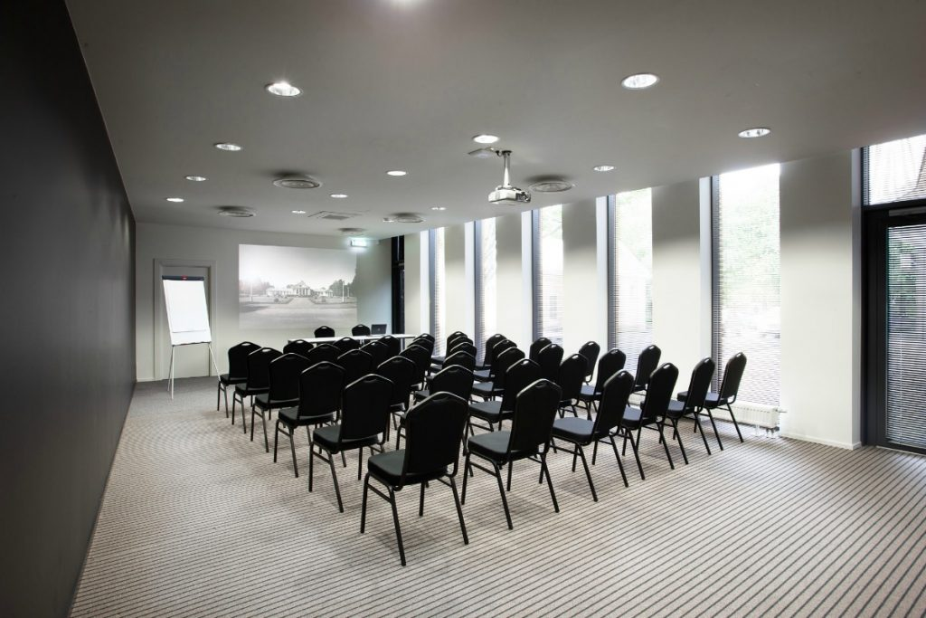 Hire a Full Service Seminar Center